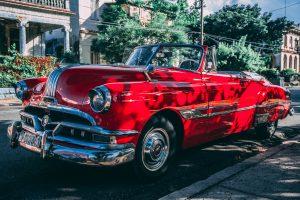 Oplatí sa kúpiť nové alebo jazdené auto?